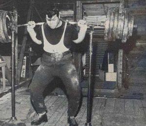 Joe Dube 800lb squat weightlifting