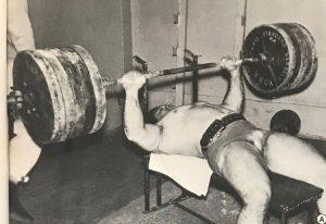 mel hennesy benchpress powerlifting