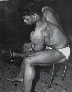 harold poole biceps curl bodybuilding