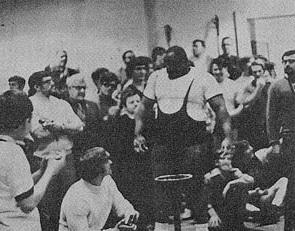 Jim Williams Bench press psycho legend 70s powerlifting